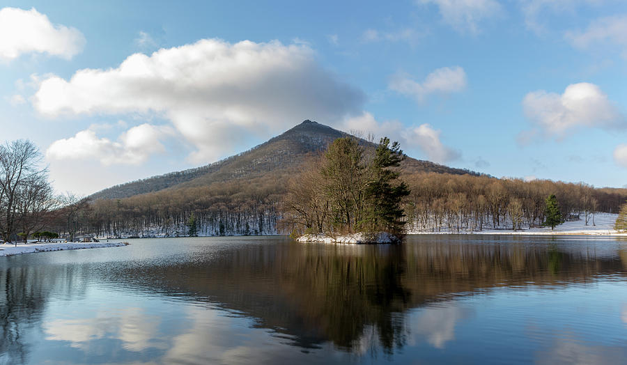 Winter Morning on Otter Lake by Rob Narwid
