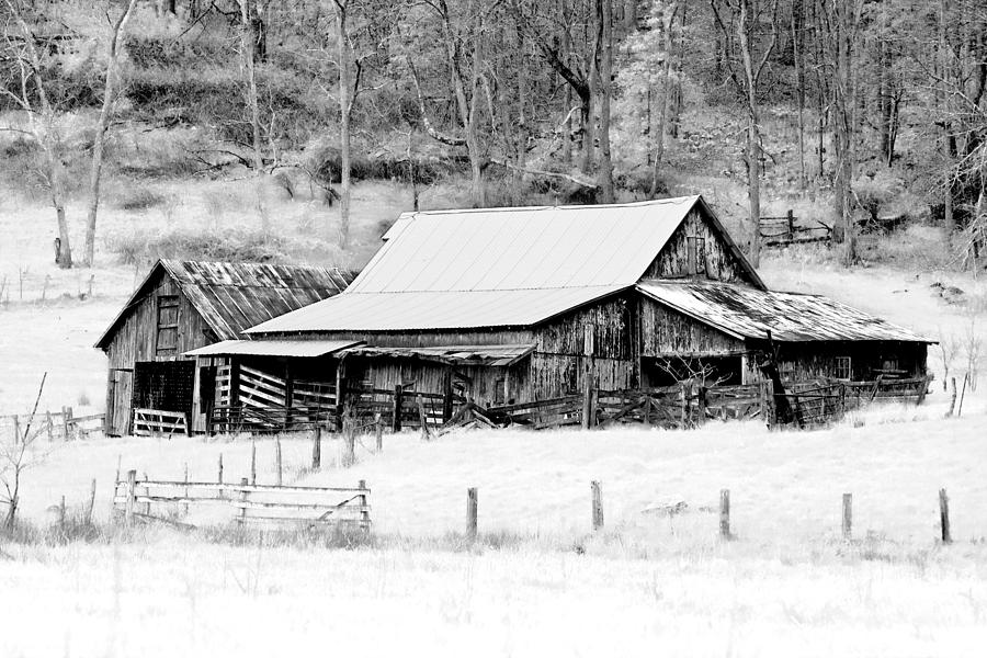 Barn Photograph - Winters White Shroud by Tom Mc Nemar