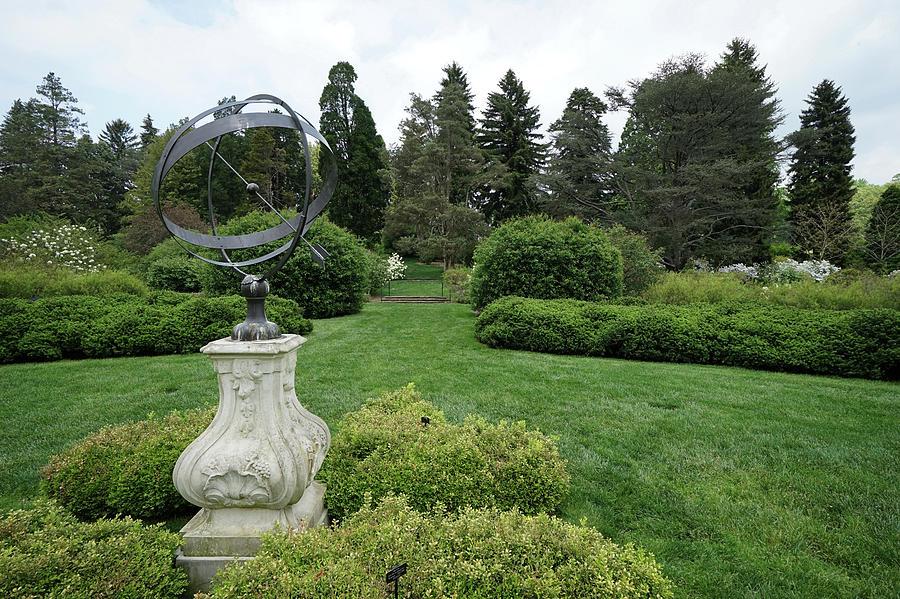 Winterthur Gardens #5414 by Raymond Magnani