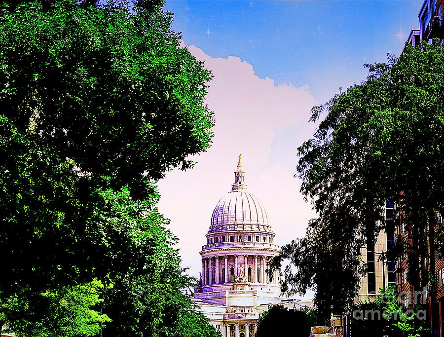 Wisconsin State Capitol Building by Becky Kurth