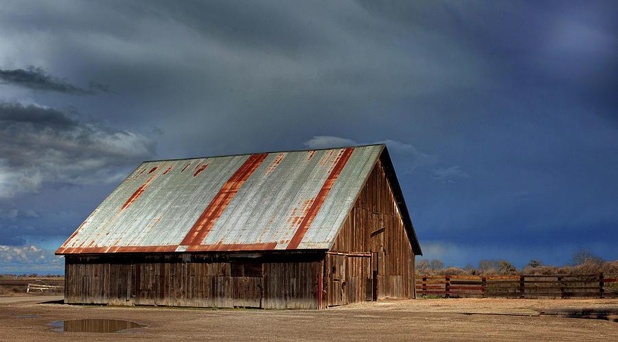Wolfsen's Barn by Floyd Hopper