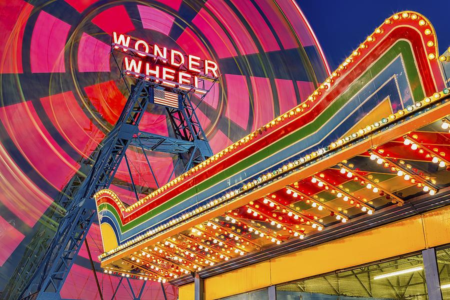 Wonder Wheel Photograph - Wonder Wheel At Coney Island by Susan Candelario