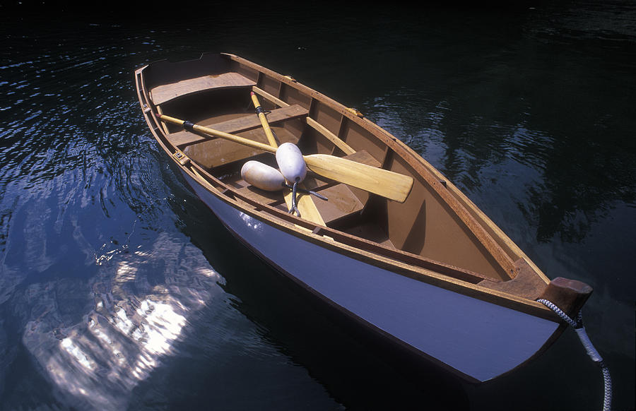 Wooden Boat And Paddles In Halibut Cove Photograph By Rich Reid