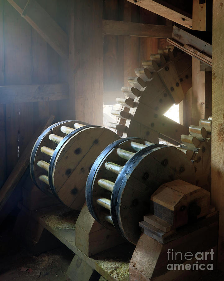 Wooden Gear Train by Martin Konopacki