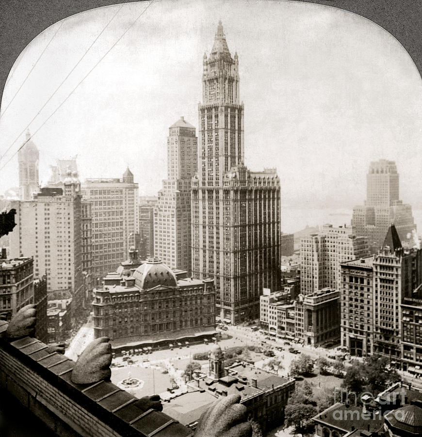 1920s Photograph - Woolworth Building, 1920s by Granger