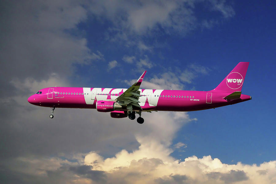 Airbus Photograph - Wow Air Airbus A321-211 by Smart Aviation