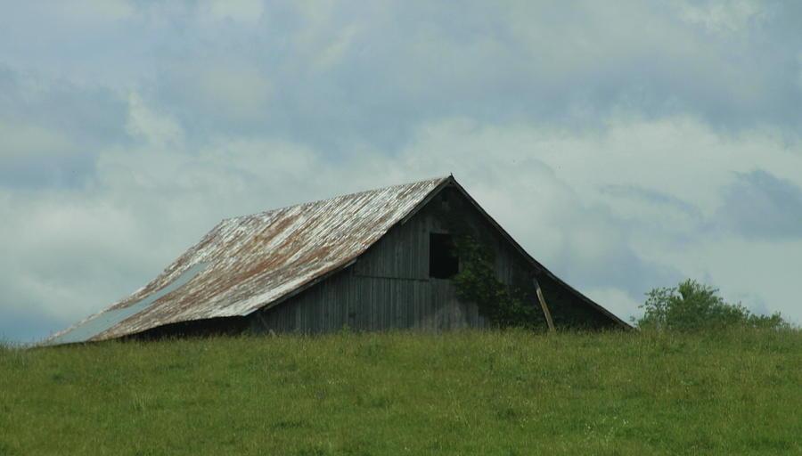 Barn Photograph - Wv Barn by Cathy Lindsey