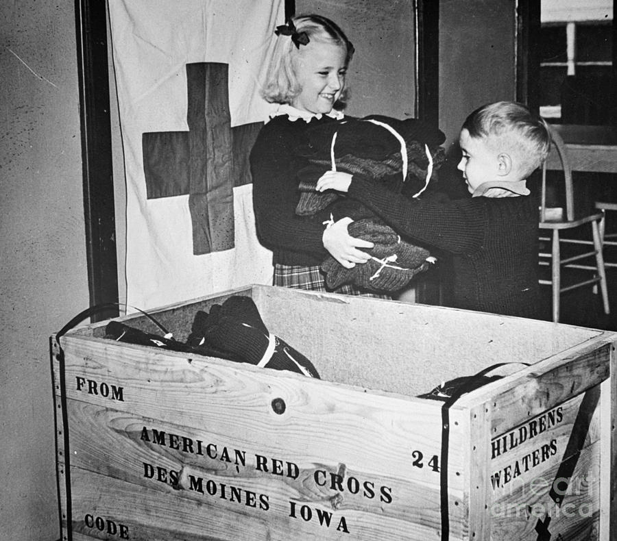 1942 Photograph - Ww II: Red Cross, C1942-43 by Granger