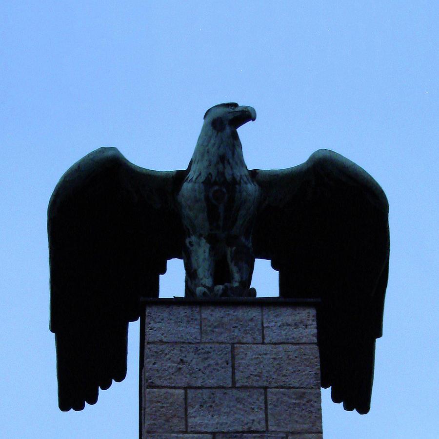 Berlin Photograph - Ww1 Memorial, Nonnendamammallee, Berlin by Misentropy