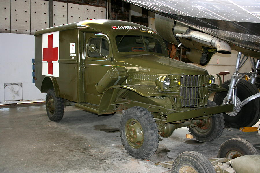 Ww2 Jeep For Sale >> Wwii Jeep Ambulance Photograph by David Dunham