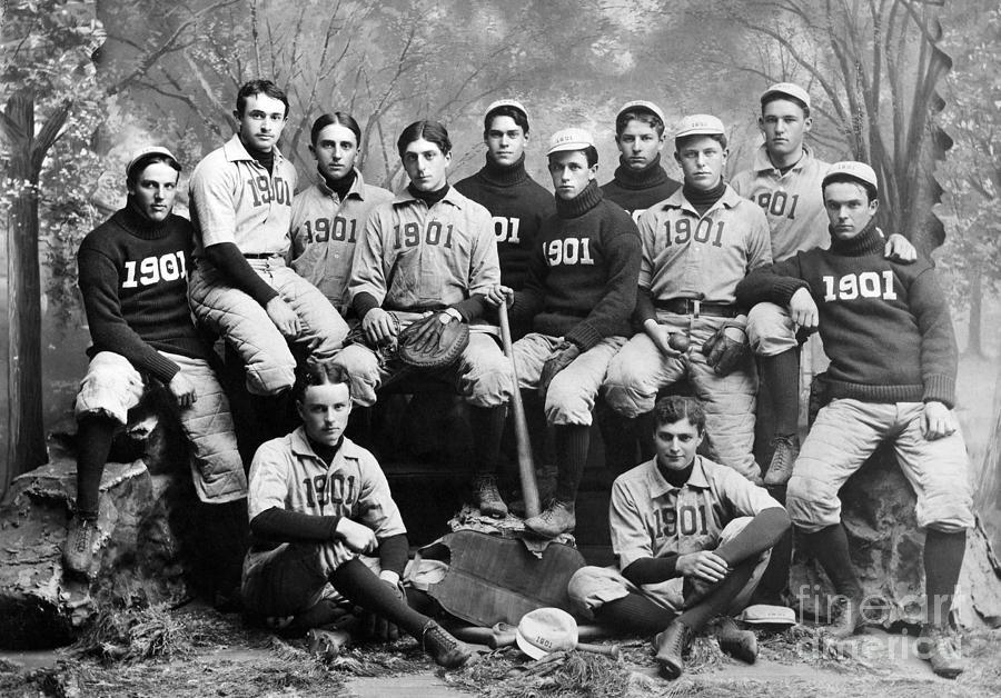 1901 Photograph - Yale Baseball Team, 1901 by Granger