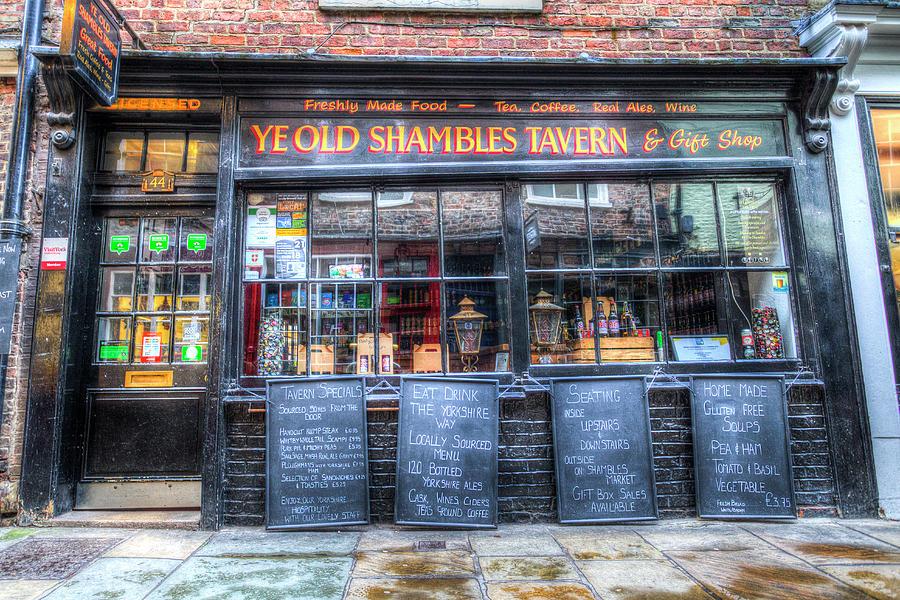 Shambles Photograph - Ye Old Shambles Tavern York by David Pyatt