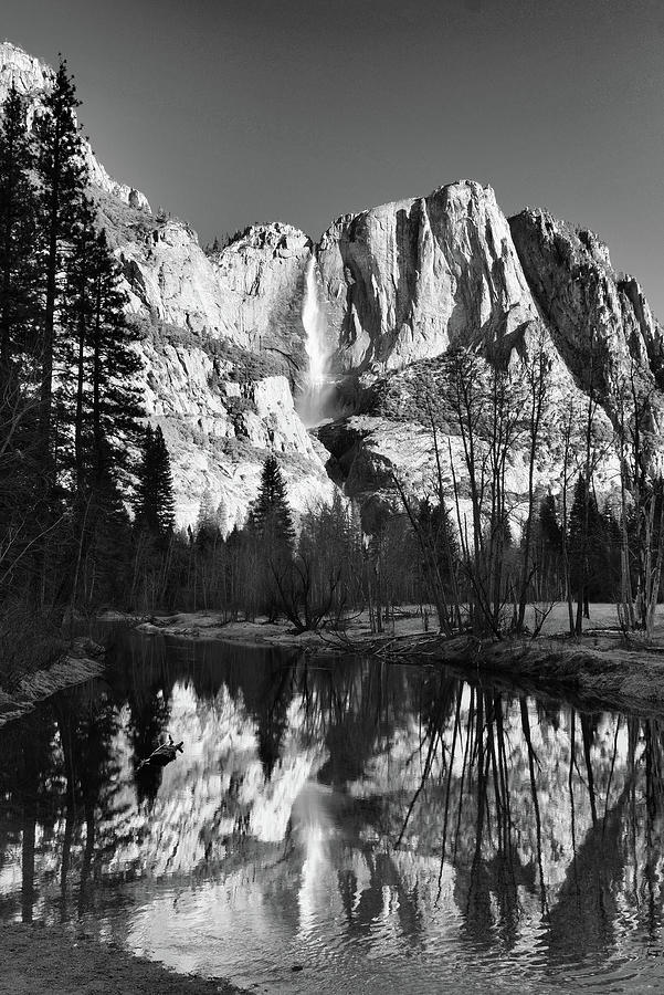 Yosemite Falls Photograph - Yosemite Falls Reflections by Stephen  Vecchiotti