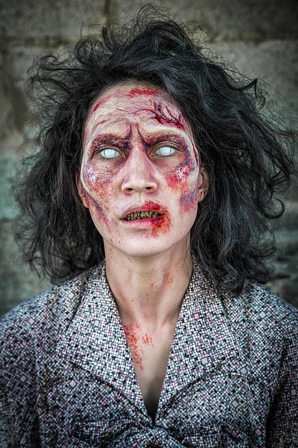 Женщина зомби картинки