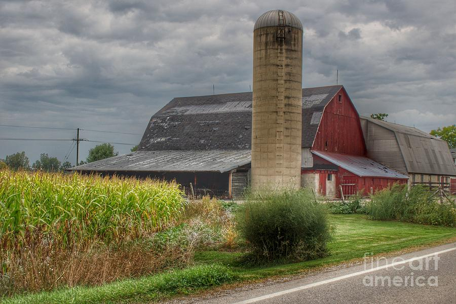 0692 - Lake Pleasant Road Red and Silo by Sheryl L Sutter