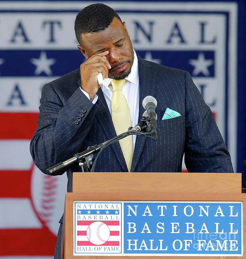 2016 Baseball Hall Of Fame Induction Photograph by Jim Mcisaac