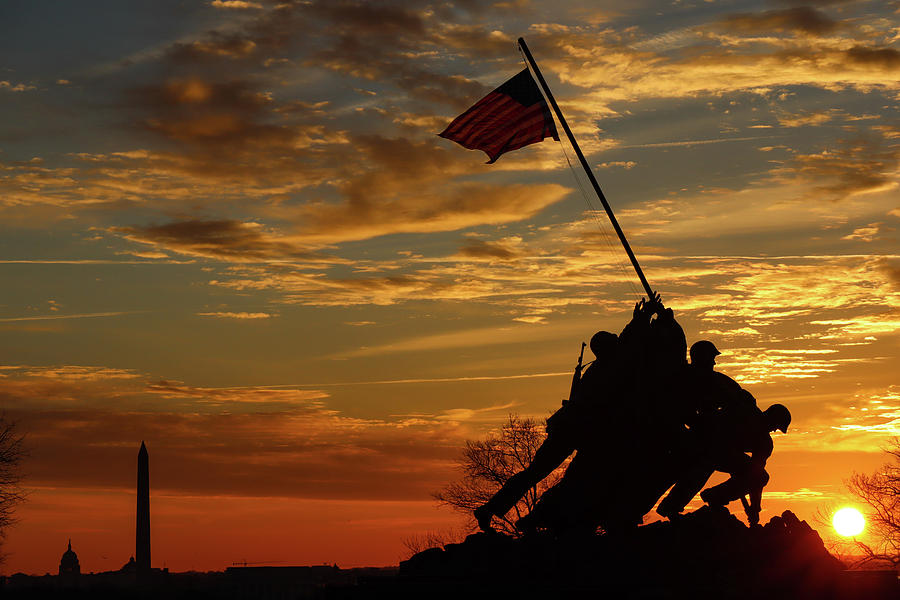Washington Dc Photograph - A Battle For Freedom by Mike Iserman