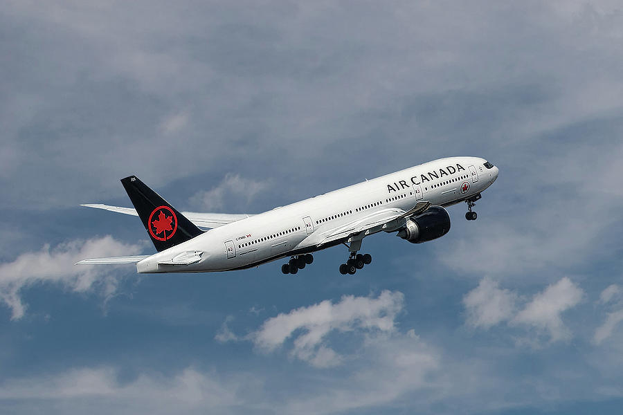 Air Canada Mixed Media - Air Canada Boeing 777-233 Lr by Smart Aviation