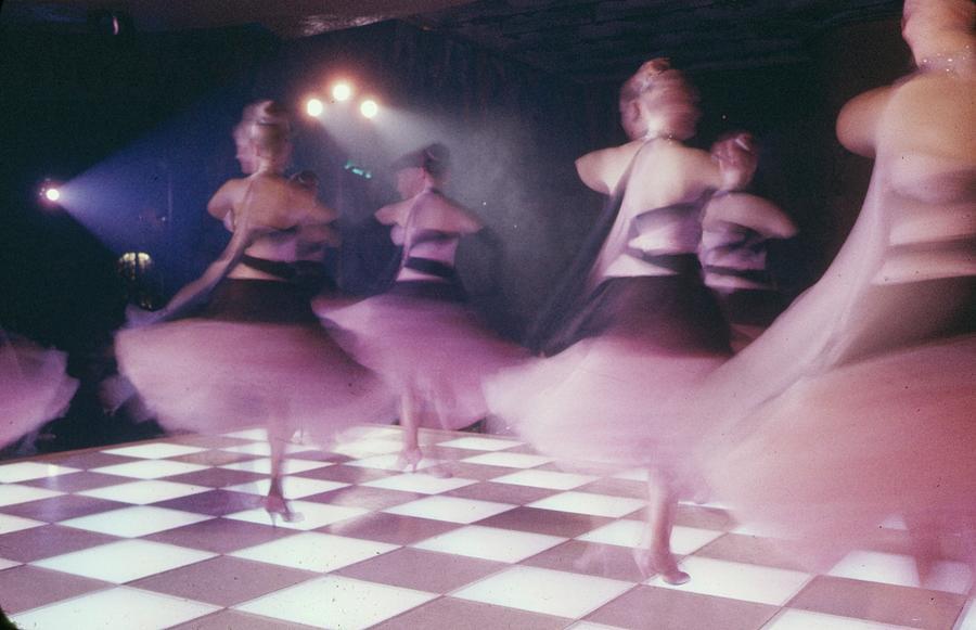 Alice And Ellen Kassler Dancers In Photograph by Loomis Dean