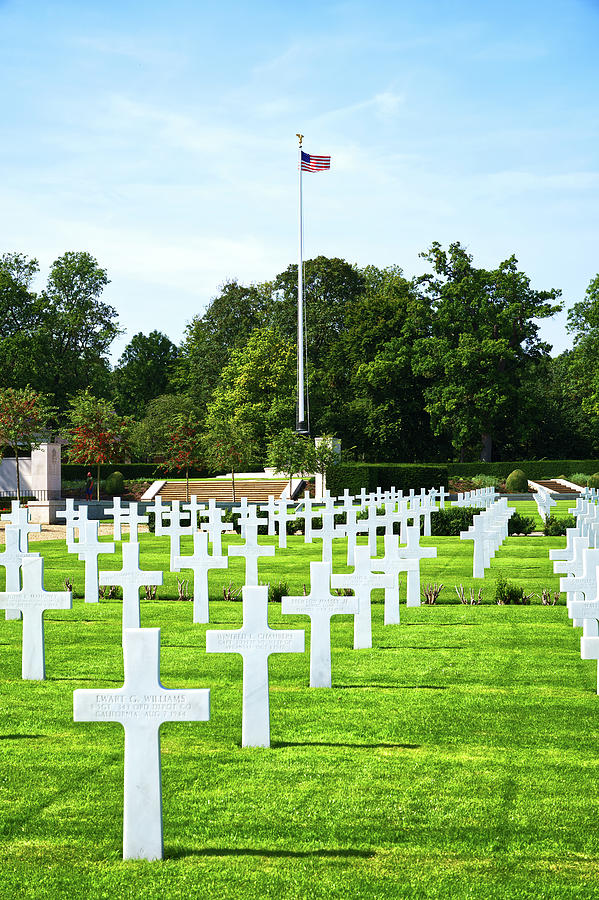 American Cemetery Cambridge by CHRIS DAY