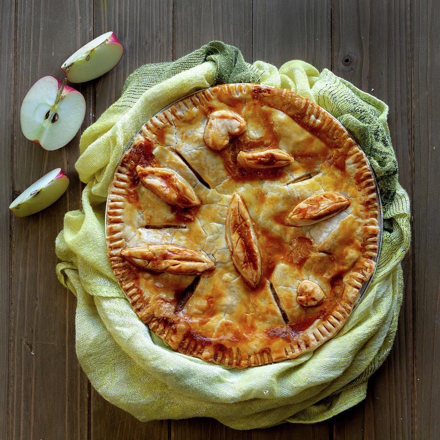 Apple pie top view by Alessandra RC