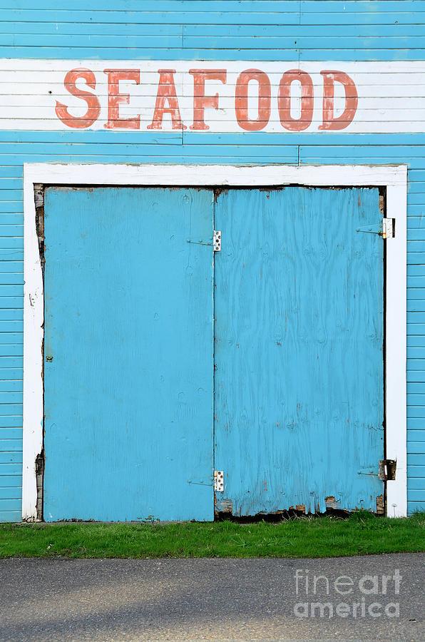 Seafood Photograph - Bandon Oregon Fish Market Near Old Town by Tfoxfoto