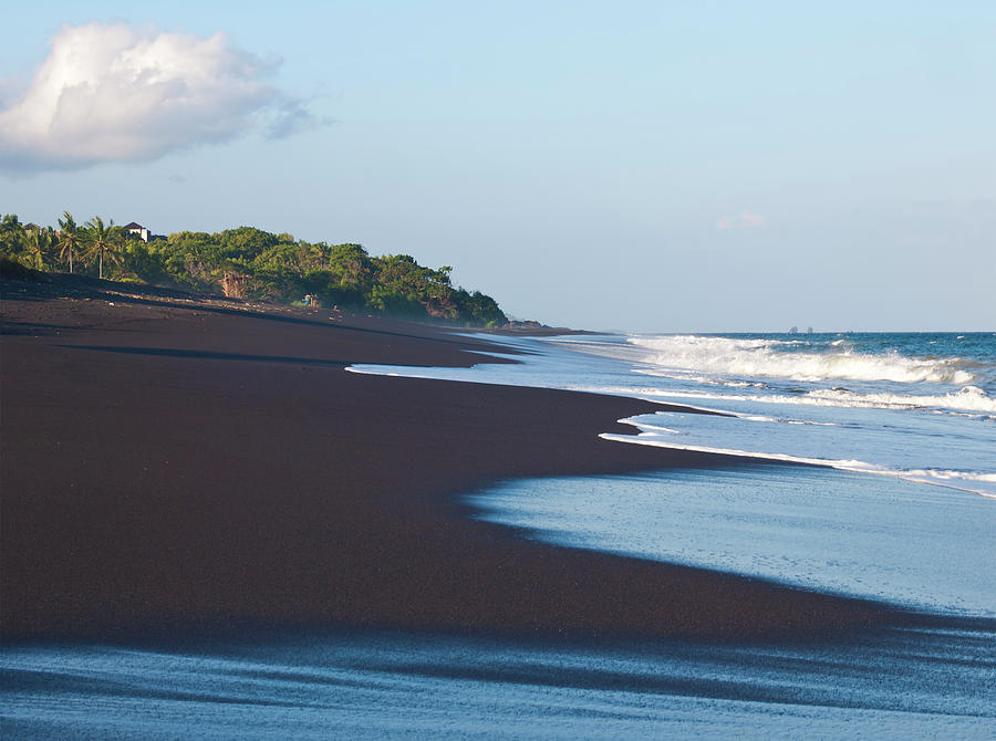 Black Sand Beach Photograph by Davorlovincic