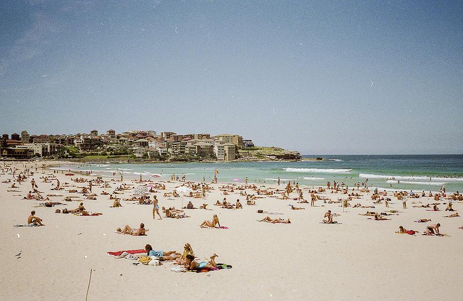 Bondi Beach by Pete Hendley