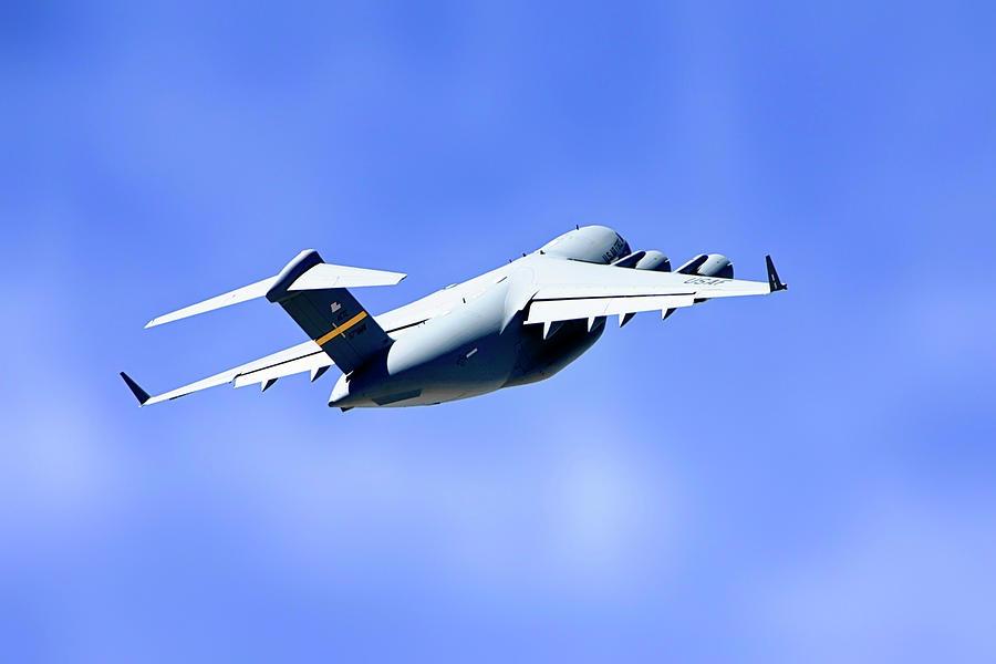 C-17 Globemaster by Chris Smith