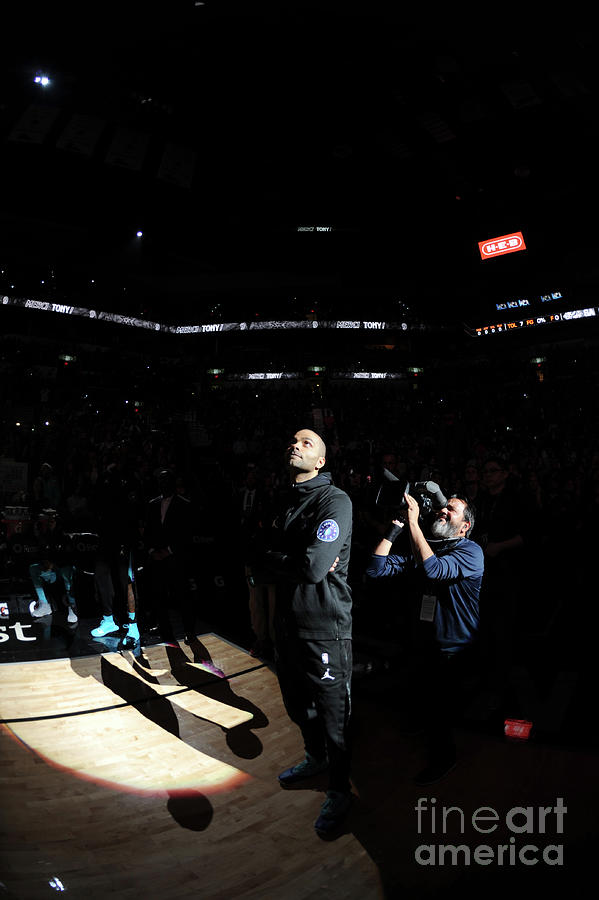 Charlotte Hornets V San Antonio Spurs Photograph by Mark Sobhani