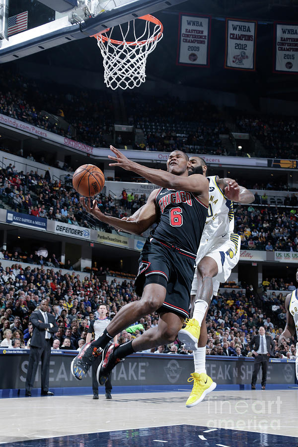 Chicago Bulls V Indiana Pacers Photograph by Ron Hoskins