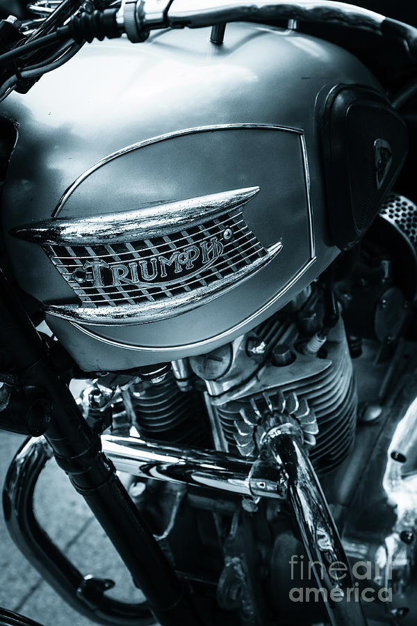 Triumph twin classic motorcycle engine and tank by Peter Noyce