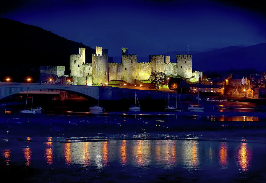 Conwy Castle at Night by Peter OReilly