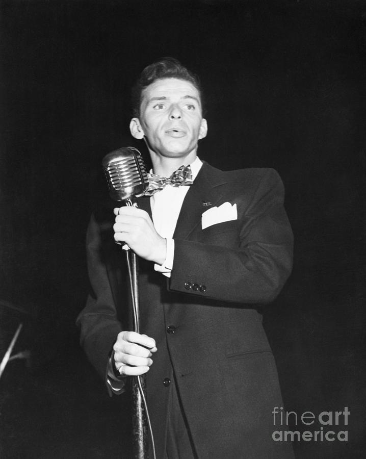 Frank Sinatra Performing Photograph by Bettmann