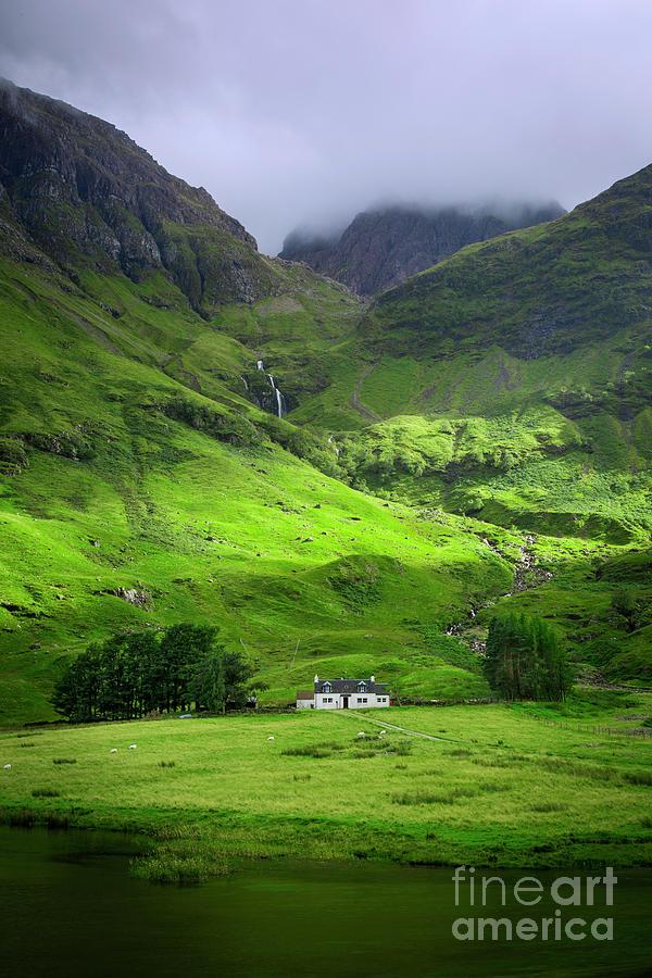 Glencoe Cottage Photograph