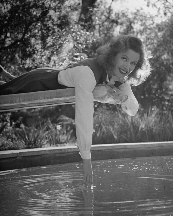 Greer Garson Photograph by Peter Stackpole