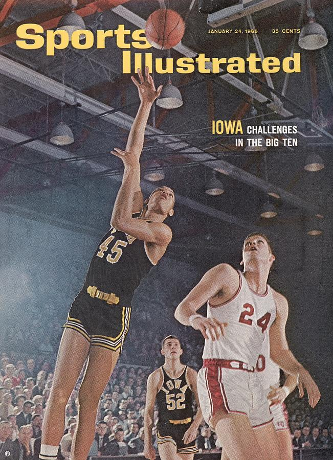 Iowa George Peeples, 1966 Holiday Festival Sports Illustrated Cover Photograph by Sports Illustrated