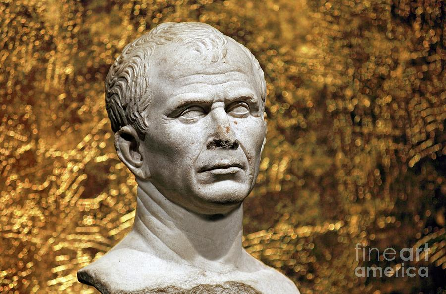 Nobody Photograph - Julius Caesar by Patrick Landmann/science Photo Library