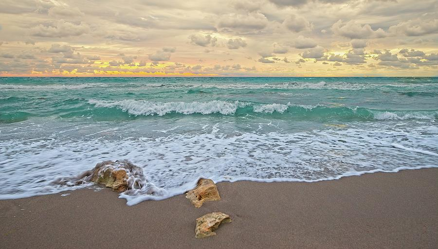 Jupiter Beach 2 by Steve DaPonte