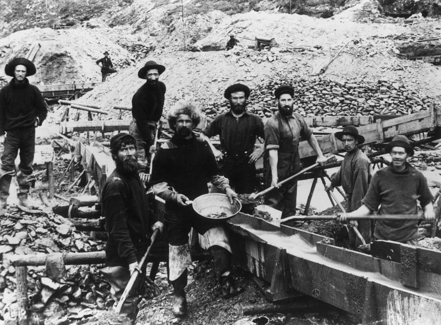 Klondike Miners Photograph by Hulton Archive
