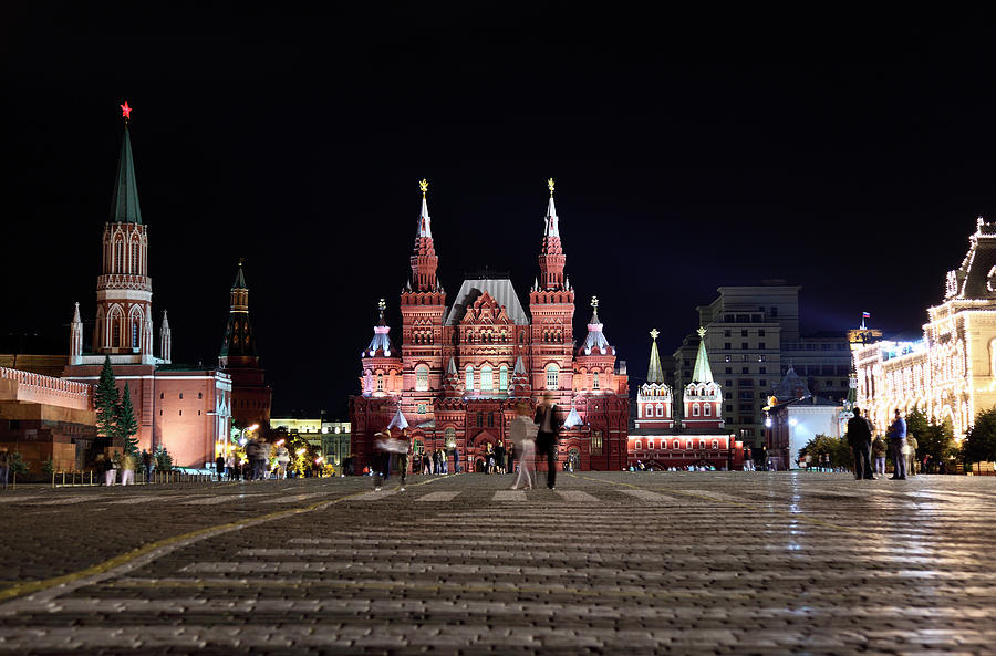 Kremlin And Red Square, Moscow, Russia Photograph by Tim E White