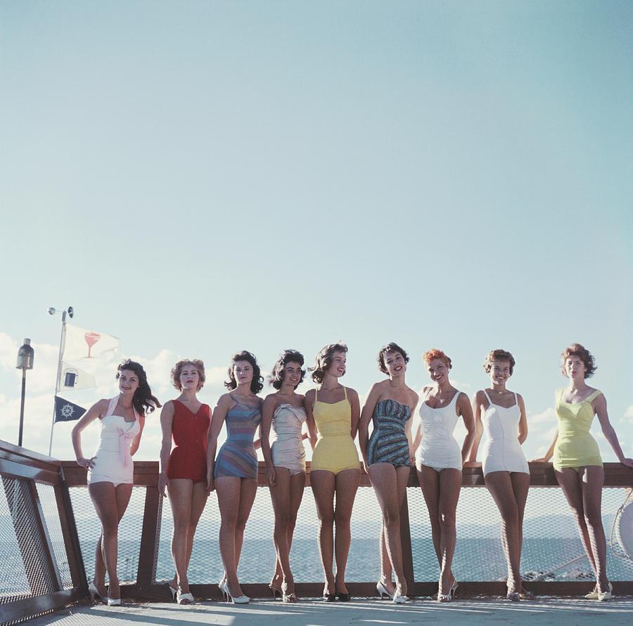 Lake Tahoe Ladies Photograph by Slim Aarons