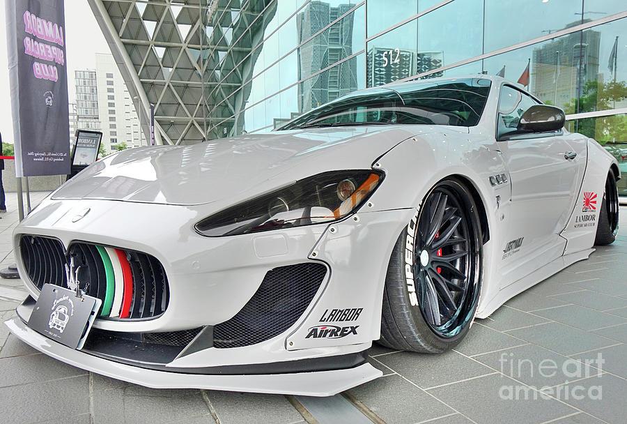 Lamborghini Luxury Sports Cars by Yali Shi