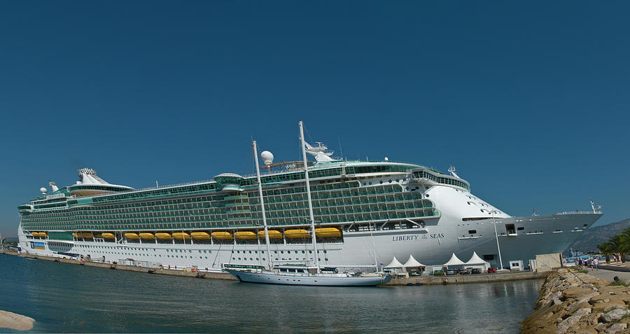 Liberty of the Seas by Richard Henne