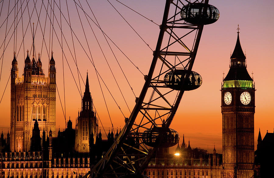 Clock Tower Photograph - London Eye And Big Ben At Dusk by Scott E Barbour