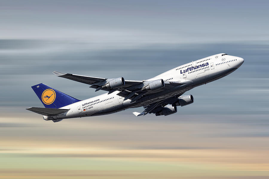 Boeing Mixed Media - Lufthansa Boeing 747-430 by Smart Aviation