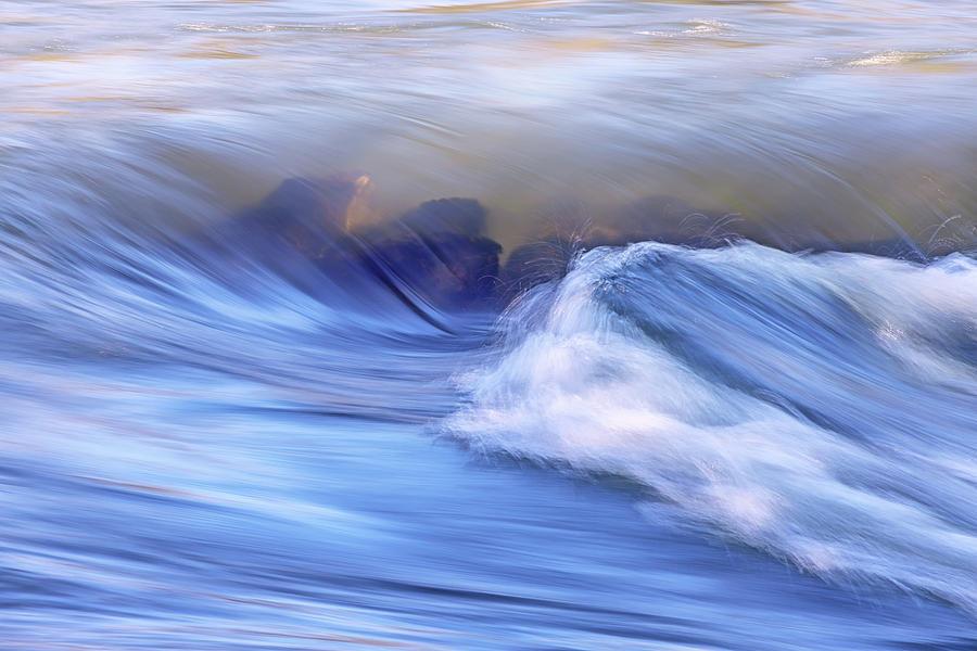 Making Waves Photograph