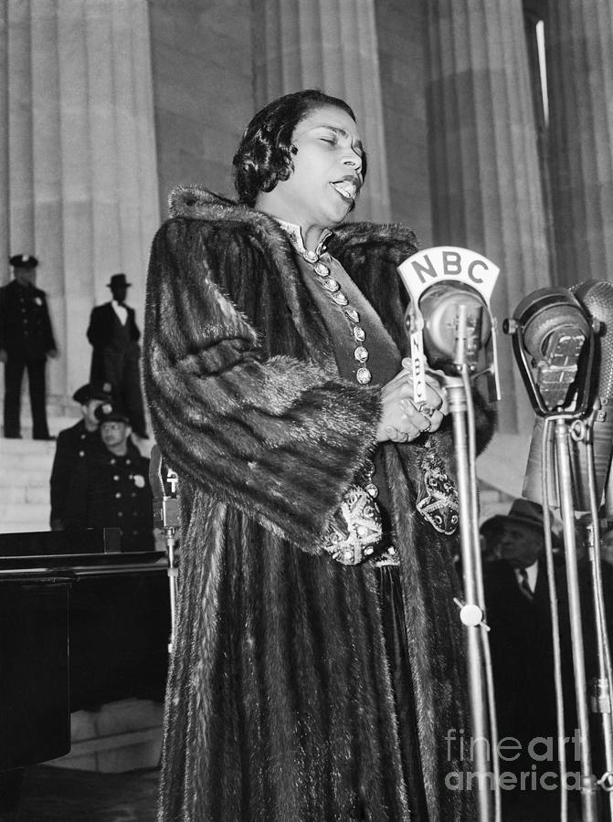 Marian Anderson Photograph by Bettmann