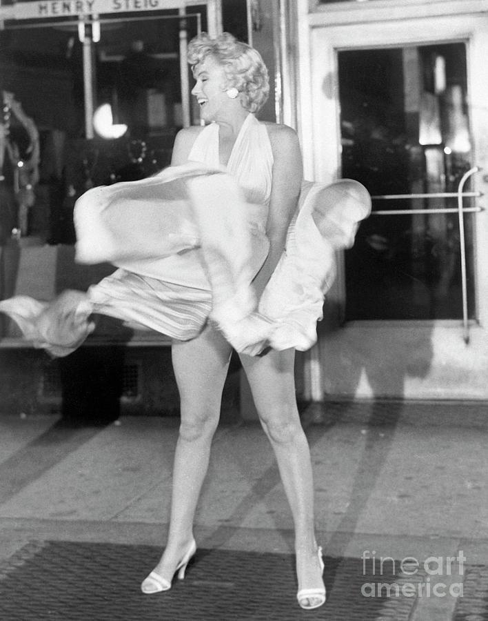 Marilyn Monroe On Subway Grate Photograph by Bettmann