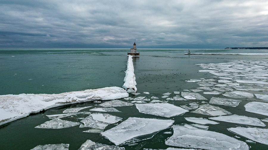 Milwaukee Breakwater Lighthouse by Randy Scherkenbach